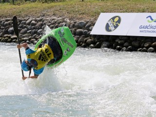 Favourites safely through to the finals of the 2018 ECA Canoe Freestyle European Championships