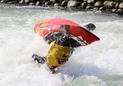 Favourites on the top of the scoreboard on the opening day of Canoe Freestyle European Championships